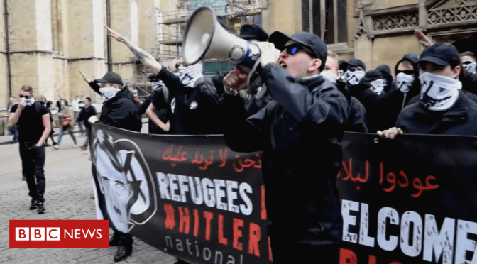 Far-right 'moving increasingly online'