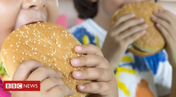 YouTube stars 'persuade kids to eat more'