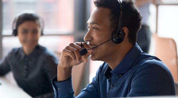 How to Improve Employee Satisfaction in Customer Service (+ How This Creates Happy Customers)